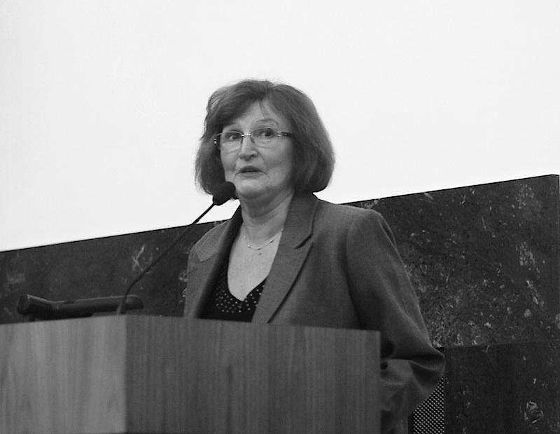 Zdroj: http://www.moderni-dejiny.cz/clanek/zemrela-eva-vlahova-dlouholeta-predsedkyne-obcanskeho-sdruzeni-dcery-50-let/