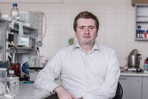Docent Vyacheslav Yurchenko, vědec z Přírodovědecké fakulty Ostravské univerzity, hledá možnosti léčby leishmaniózy.