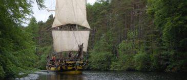 Loď, na které se plavil Darwin, byla znovu vytvořena, aby (snad!) vezla biology z Ostravy na cestě po stopách evoluce.