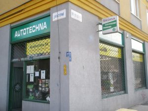 Současná podoba obchodu smotoristickým zbožím vKarviné.