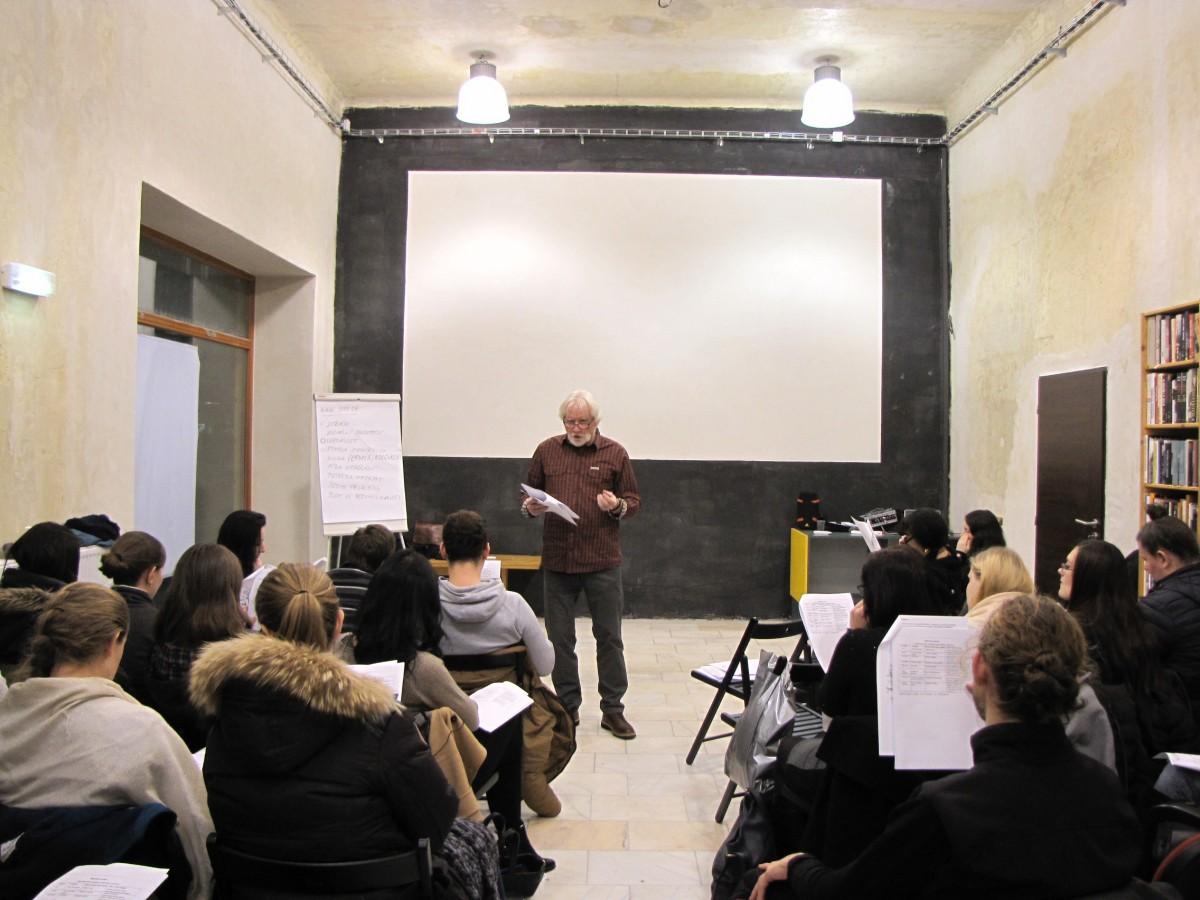 Viliam Kratochvíl zasvěcující do tajů profese učitele dějepisu.