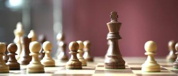 Studenti OU mohou získat certifikát na výuku šachů zdarma.