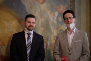 Zleva: doc. Mgr. Robert Antonín, Ph.D. - děkan FF, doc. Mgr. Martin Pelc, Ph.D