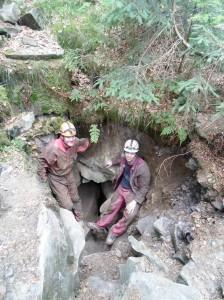 Objev nové jeskyně vBeskydech. Foto: katedra fyzické geografie ageoekologie PřF OU.